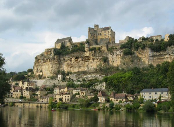 L600photo-chateau-Beynac-vue-generale-.jpg