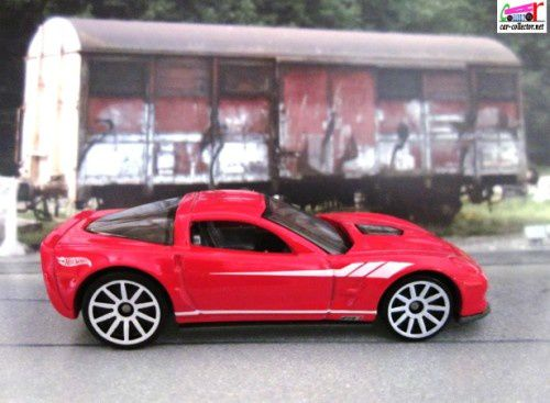 09-chevrolet-corvette-zr1-showroom-2013.202