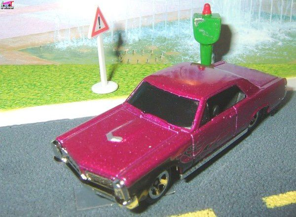 65 pontiac gto 2008.070 hot wheels stars (2)