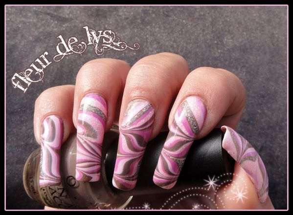 Water marble rose
