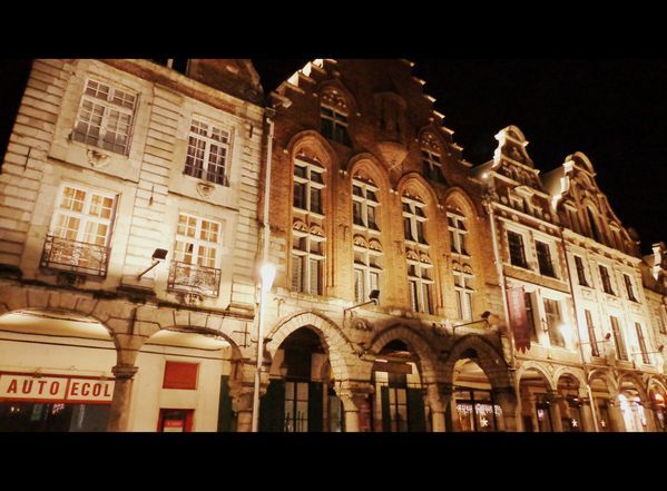 Arras---Grand-Place---trois-luppars.jpg