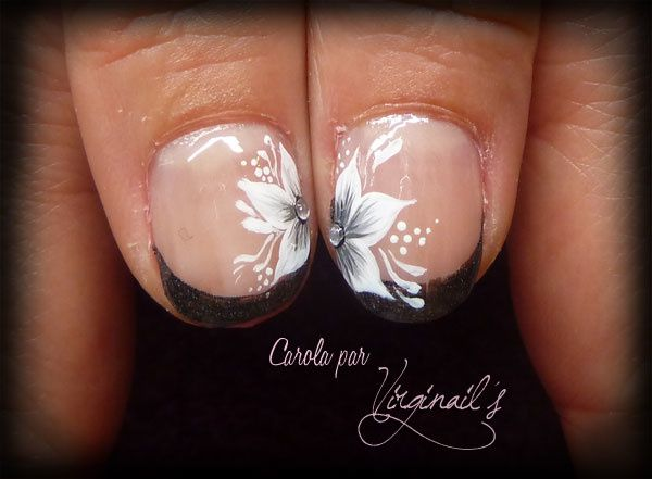 Nail art ongles naturels na abstrait fleur mango na double verts guest nail art for Comdecoration pour ongles naturel