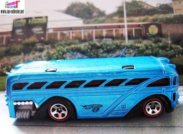 surfin school bus autobus autocar 2005.096 red lines