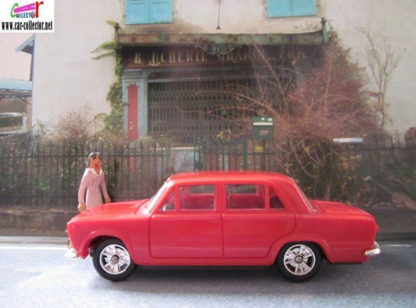 fiat 124 special minialuxe made in france (1)