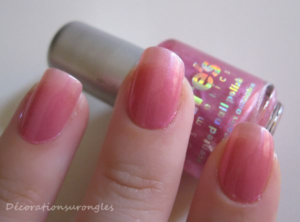 vernis-claires-swatch-rose.jpg