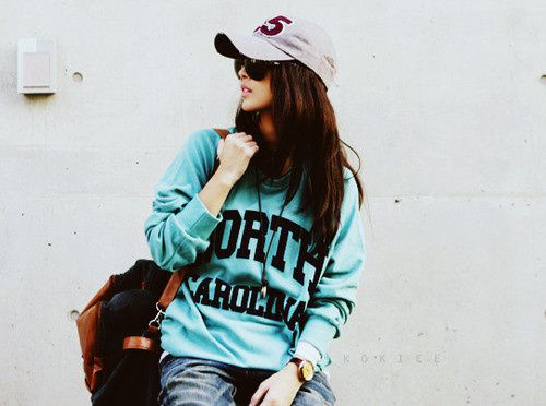 people_fashion_girl_hat_sunglasses_sweater-b0029c37ead43ce0.jpg