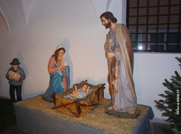Creche-a-Innsbruck-dans-l-eglise-Spitalskirche-.JPG