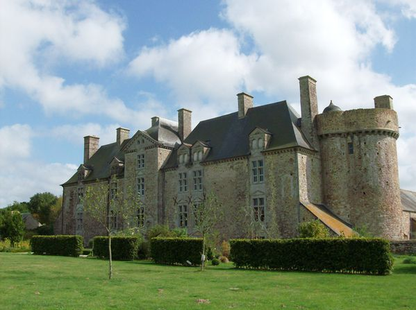 chateau-crosville-01