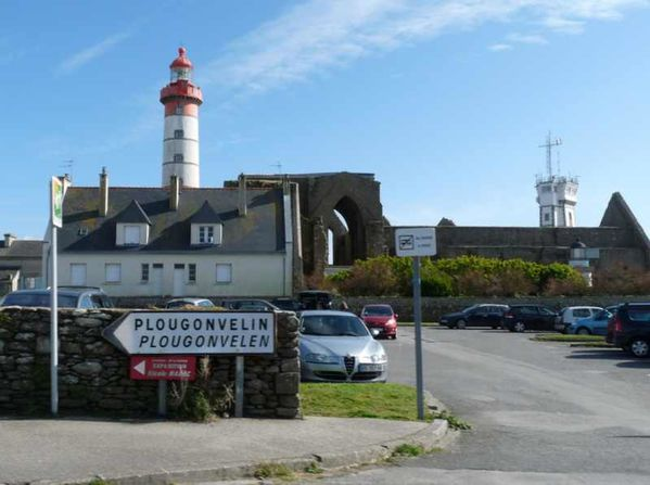 phare-de-la-pointe-st-mathieu--3-.jpg