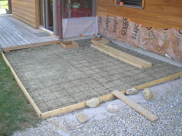 Terrasse ext rieure en carrelage en 5 tapes lumithero for Epaisseur mini dalle beton exterieur