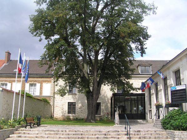 Mairie-de-Marcoussis.jpg