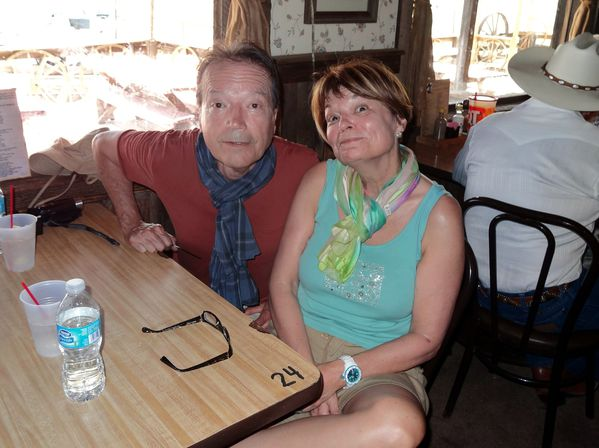 Apache Trail Goldfield Ghost Town Steack House eux b