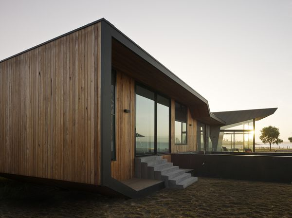 1295966651-1295272166-beached-house-north-east-facade-04
