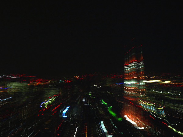 Tokyo-tower-in-motion-from-Raoppongi-Hills-niji-graphein.png