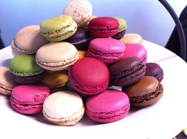 Macarons-_French_made_mini_cakes.JPG