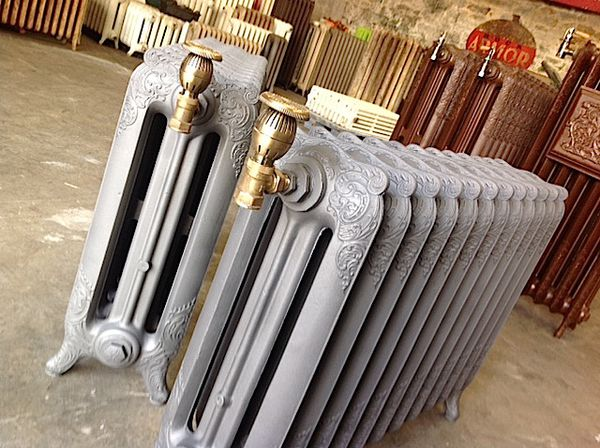 radiateur fonte vintage. Black Bedroom Furniture Sets. Home Design Ideas