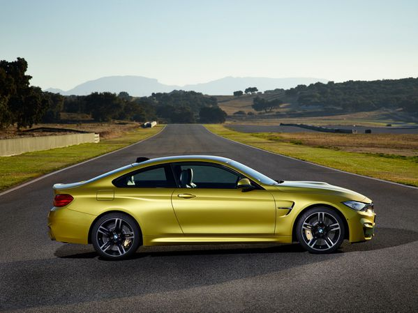 BMW-M4-coupe-2014-11