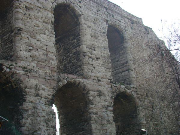 Aqueduc-de-Valent---Istanbul--4-.jpg