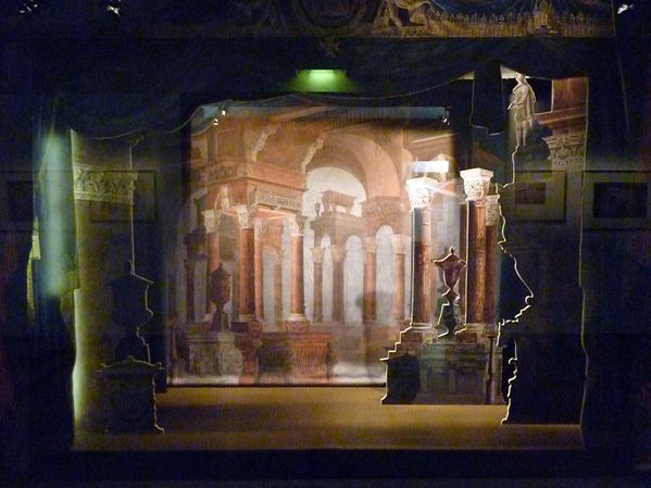 Decor-de-theatre-grec.jpg