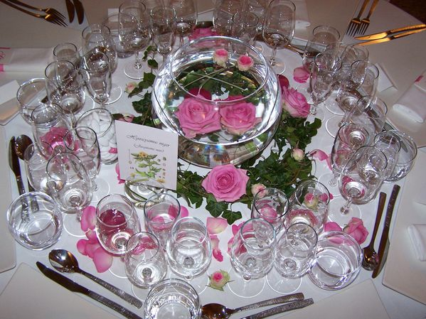 table-rose.jpg