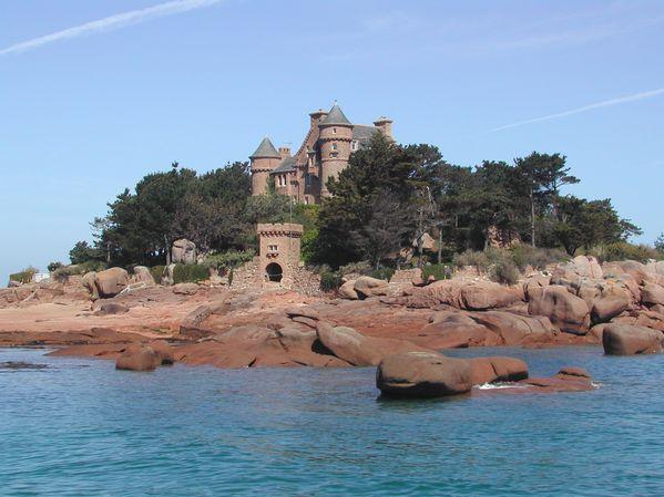 Ploumanac-h-----chateau-de-Costaeres.JPG
