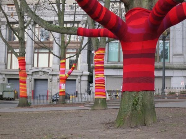 120-la-yarn-bombing-debarque-en-france-651x0-1.jpg