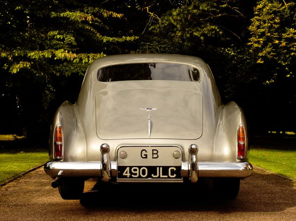 bentley_s1_continental_mulliner_sports_saloon_1955_105.jpg