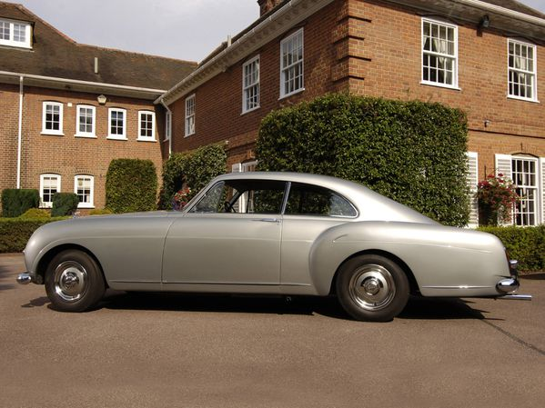 bentley_s1_continental_mulliner_sports_saloon_1955_106.jpg