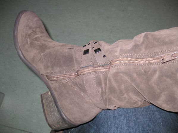 bottes cloutees taupe