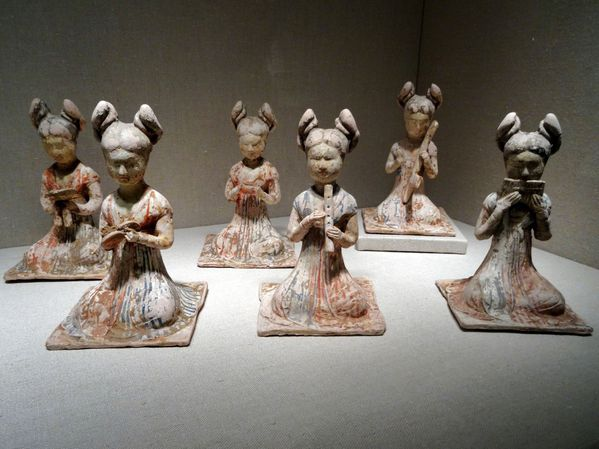 Chicago Art Institute figurines musiciennes Asie
