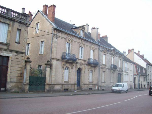 Avenue de la République - 100 7430 (Copier)