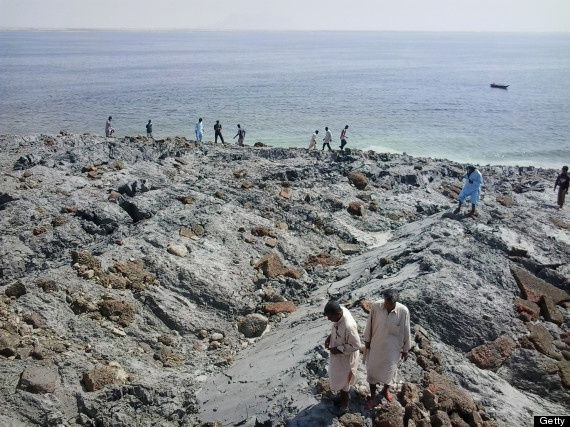 PAKISTAN-ISLAND-EARTHQUAKE-2013 - 2