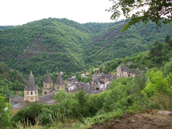 Conques, vue sur le village 2