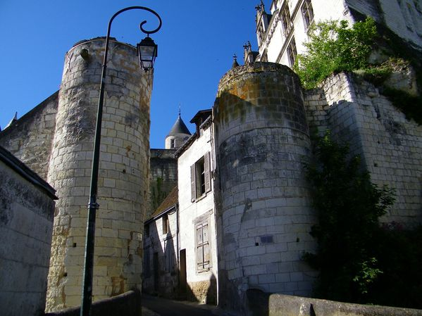 2138 Entrance towers beneath Logis Royal, Loches
