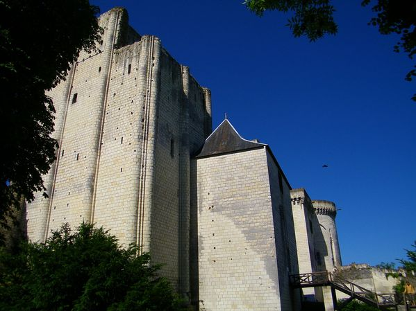 2150 Donjon, 1010-1035 Foulques Nera, Loches