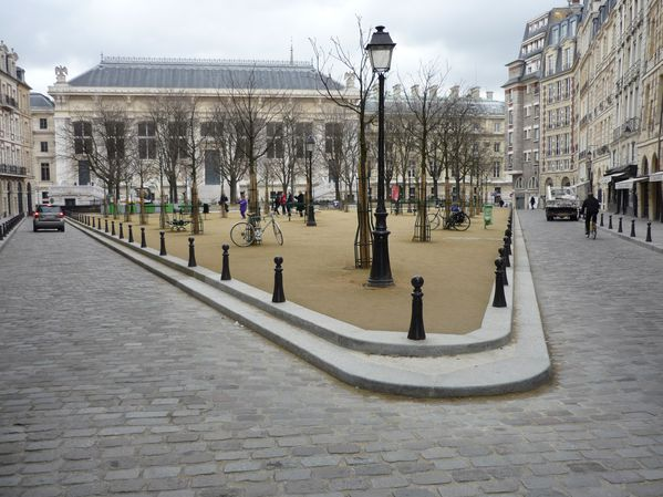003 Place Dauphine