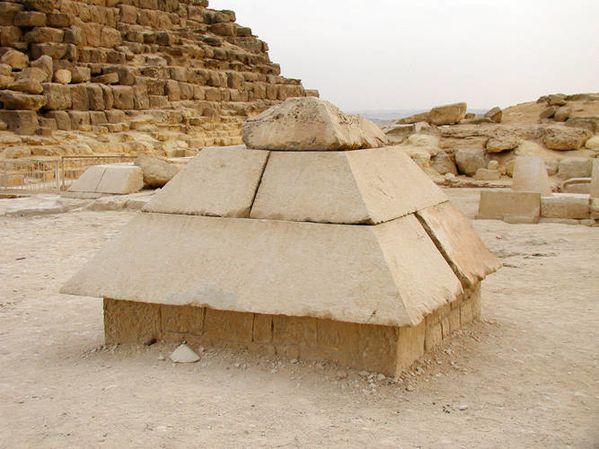 Pyramidion-satellite-khéops
