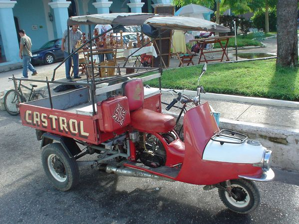 Cezeta_Scooter_Trike_CASTROL.jpg