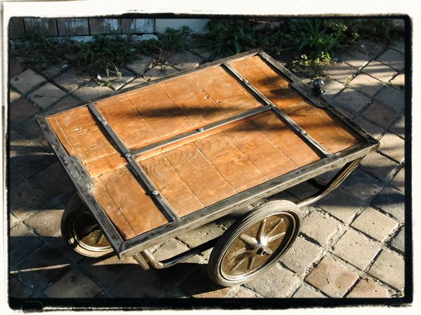 TABLE BASSE CHARIOT 1