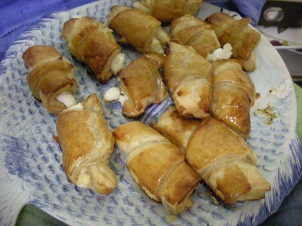 Croissant-fromage-de-chevre-et-miel-de-romarin.jpg