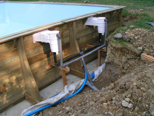 Mypiscine construction d 39 une piscine bois semi enterr e for Buse de refoulement piscine