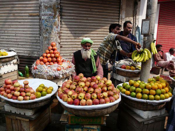 002 un vendeur de fruits et légumes