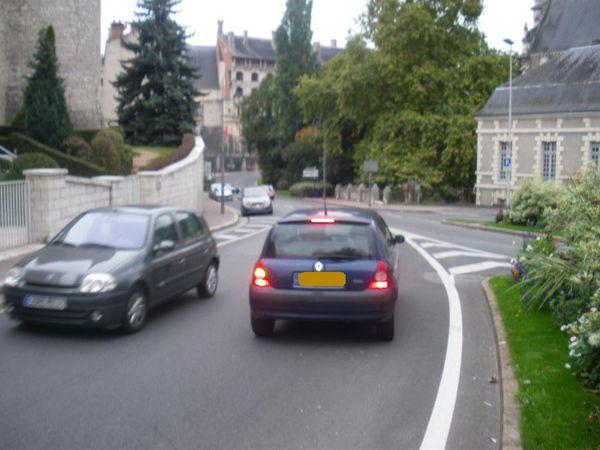 2010 10 Blois rue Gallois vl à contresens IMGP1782