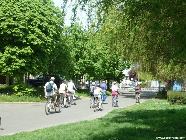 conflans-cyclistes.JPG