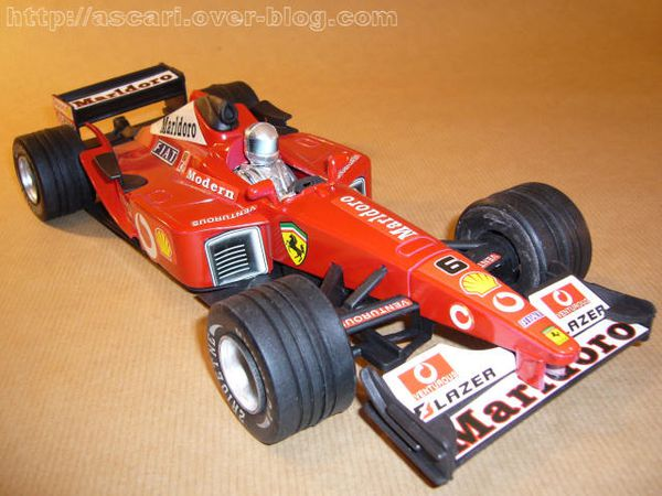 1-16 Ferrari F2002 plastique Toys Global Toys 2