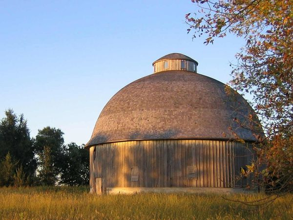 Round-barn-1.jpg