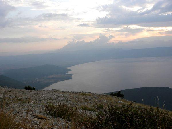 Ohridul--dinspre-Prespa.jpg