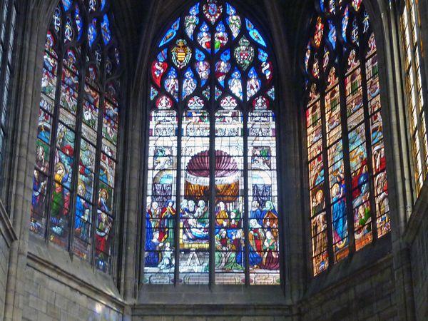 Les vitraux du choeur de la Cathédrale