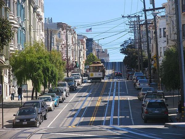 San_Francisco_down_town_hill.jpg