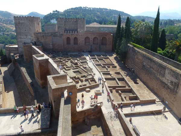 GRENADE---Alhambra---Alcazaba---vue-sur-l-Alcazaba---la-pla.JPG